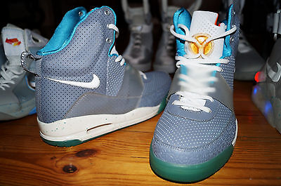 NIKE Air Mag Yeezy Kanye West BACK TO THE FUTURE 2 Mcfly Hyperdunk Hi US 10 DS