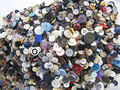 1 Kg Kilo Buttons Recycled Mixed Vintage Craft Scrapbooking Beading Sewing Beads
