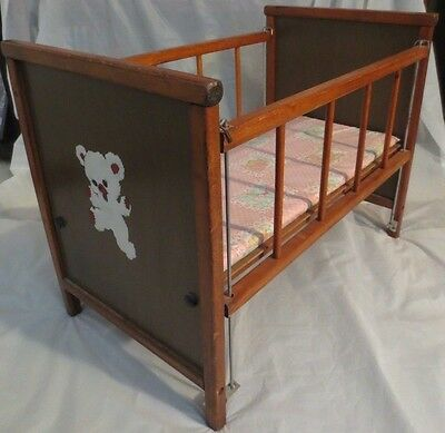 """VINTAGE WOOD DOLL CRIB with DROP SIDES & HAND PAINTED BEAR DESIGN  (22.5"""")"""