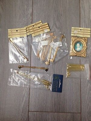 dolls house 10 X Curtain Rails, Stair Rods & Picture Frame