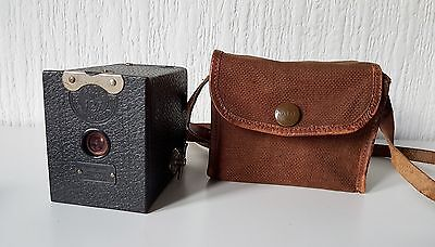 VINTAGE ANTIQUE KODAK BROWNIE No. 0 MADE IN CANADA WITH SOFT CASE