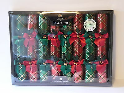Tom Smith,8 Luxury Red & Green Tartan Crackers With Silver Plated Gifts.