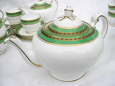 Vintage Harrods Plant Tuscan China Teapot Large Green Gold White