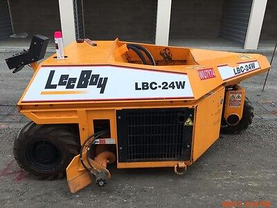 Concrete Curb Machine-Leeboy LBC-24w