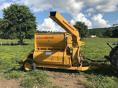 Haybuster 2554 Hay Shred Cannon Straw Blower Mulcher Seeder Pto Driven Tractor
