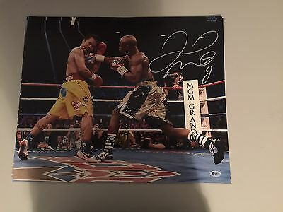 Floyd Mayweather Signed 16x20 Photo