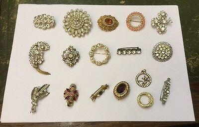 Lot Of 17x Good Quality Vintage Costume Jewellery Brooches, Resale / Collection