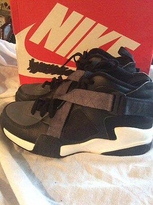 Nike air raid 2014 retro  basketball shoes size UK 9 black/white and grey