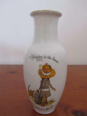 Vintage HOLLY HOBBIE Lge Porcelain Vase Happy Is The Home That Welcomes A Friend