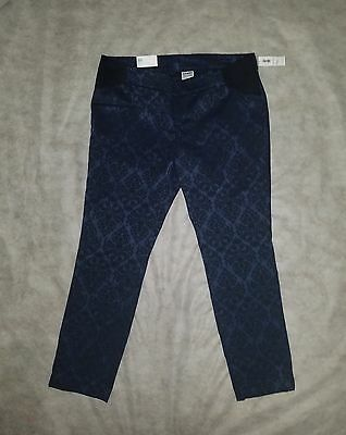 New Old Navy Size 10 Stretchy Side Panels Maternity Ankle Length Pixie Pants