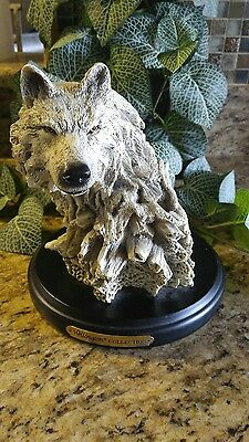 Wellington Collection Wolf Head Statue Wildlife Wooden Base