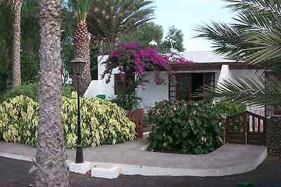 Lanzarote 2 Bedroom Villa bathroom+ensuite,Lounge/Dining,fully equipped kitchen