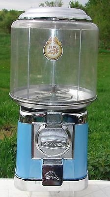 Beaver Gumball Capsule 25 Cent Quarter Vending Machine Used Missing Lock and Key