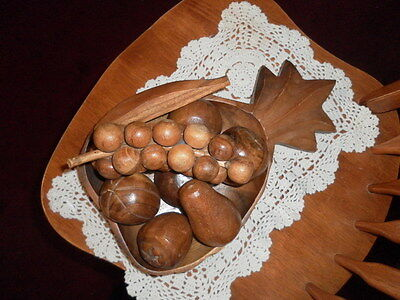 Beautiful 10 Pc.vintage Solid Wood Pineapple Bowl & Carved Fruit