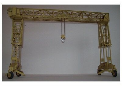 Modelik 01/10 - 16 T Gantry Crane Fries 1:25