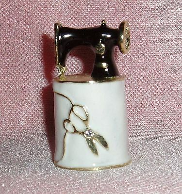 Russian Сollectible Handpainted Decorative Enamel Thimble Sewing machine