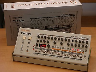 Roland TR-09 Rhythm Performer Drum Machine Composer TR 09 Mint Condition!