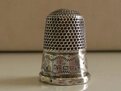 Solid Silver Thimble Hallmarked Chester 1913 Robert Pringle