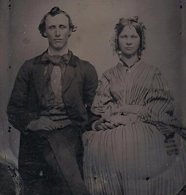 OLD VINTAGE ANTIQUE AMBROTYPE PHOTO CUTE COUPLE HUSBAND WIFE or BROTHER SISTER