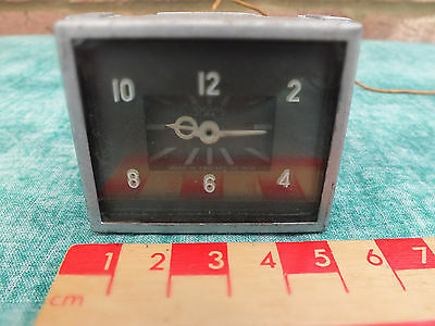 Square Smiths Car Clock - Vintage Classic Salvage