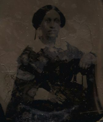 OLD VINTAGE ANTIQUE AMBROTYPE PORTRAIT PHOTO of SEATED PRETTY YOUNG LADY WOMAN
