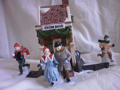 Dept 56 Childe Pond and Skaters #59030 Heritage Dickens Village Accessory set/4