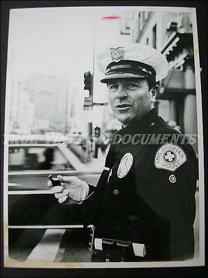 Large Press Photo*typical Los Angeles Police Officer With Thunderer Whistle*