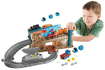 Fisher-Price Take-n-Play TRAIN MAKER SET, THOMAS THE TRAIN Engine Maker PLAYSET