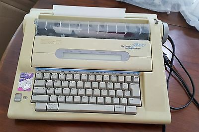 Smith Corona The Office 2000 Memory Typewriter, Refurbished, Very clean