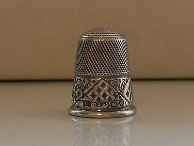 Lovely Vintage Silver Thimble, Maker Olney Amsden & Sons Chester possibly 1932
