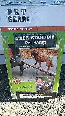 Dog Ramp for Beds Truck Pet Indoor Outdoor Use Easy Fold Carpeted Free Standing