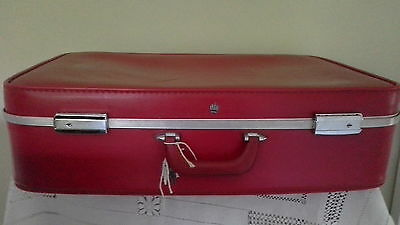 1950's Vintage Red Bonded Leather? Hardcase Suitcase With Keys