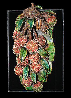 Chinese Qing dynasty porcelain. 1850 circa. Depicting lychees and leaves. #atc6