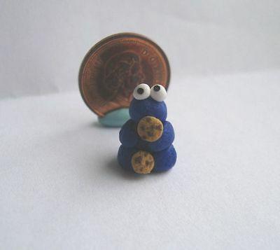 """Dollhouse Miniature Cookie Monster Toy Figurine 1:24 1/2"""" Or 1:12 Scale"""
