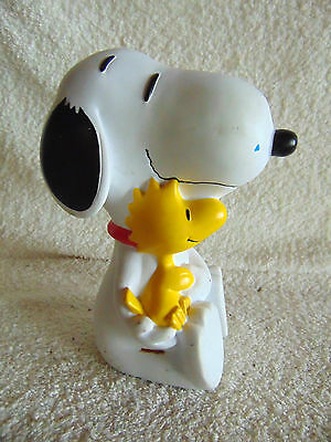 Peanuts & Woodstock, Hugging Coin Piggy Bank - United Syndicate, Applause