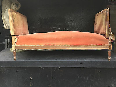 Antique Velvet/vintage Daybed/chaise Lounge/sprung/straw Filled