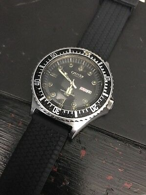 CITIZEN 150m Automatic Vintage Military Day date diver watch 8200 51-2273 70's