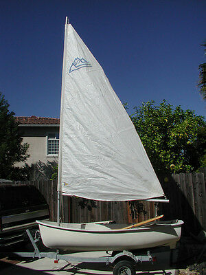 1992 CASCADE  10 FT. SAIL BOAT w/All Sails & Rigging & Trailer.  1992. Sound!