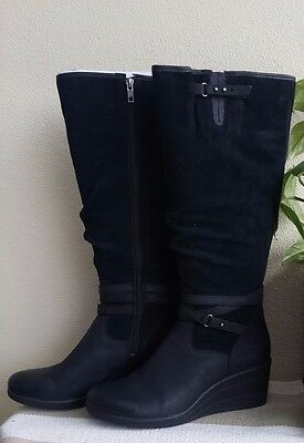 Near New UGG Lesley Women Round Toe Leather Knee High Boot US 9