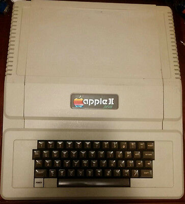 Rare 1970's Vintage Apple II+, Apple II Plus, A2S1048 Computer w/ 48k RAM