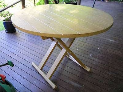 Lime wash round dining table convertible to coffee table, removable fold up legs