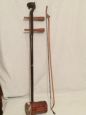 Vintage-Chinese-folk-musical-instruments-Erhu-Banhu .And bow.