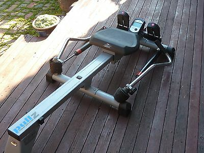 Crane Pulz rowing machine