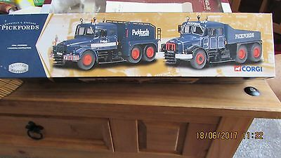 """Corgi """" Scammell Contractor  Model Set,Pickfords 1.50 scale,damaged mirrors."""