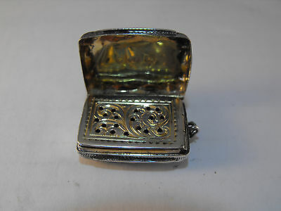 Solid silver vinaigrette gilded interior, Birmingham 1868 Hilliard & Thomason