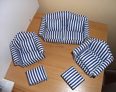 Job lot of 12th scale dolls house furniture Excellent condition