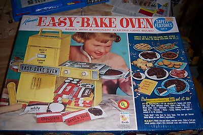 Kenners Easy Bake Oven 1964 Nice Great Box mixes vintage