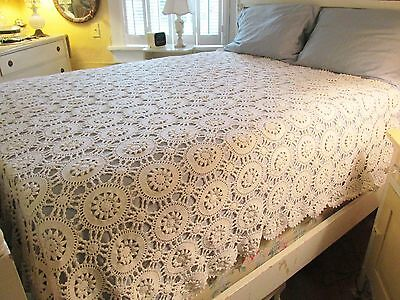 Antique Vintage Cream-Colored Medium Cotton Crochet Bedspread Coverlet Full Size