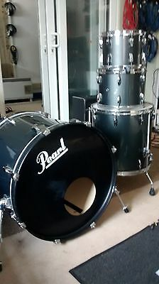 Pearl Drum Kit. Shell Pack