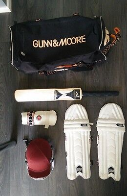 Boys / Youth Cricket Joblot (Bat, Wheelie Bag, Pads, Helmet, Forearm pad)